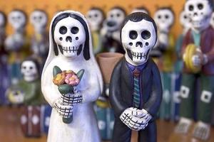 Muertos Wedding Couple
